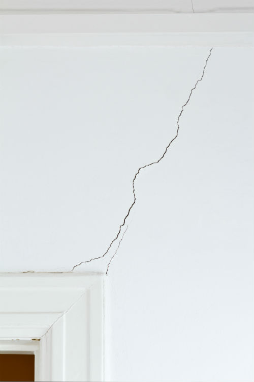 do-drywall-cracks-mean-foundation-issues